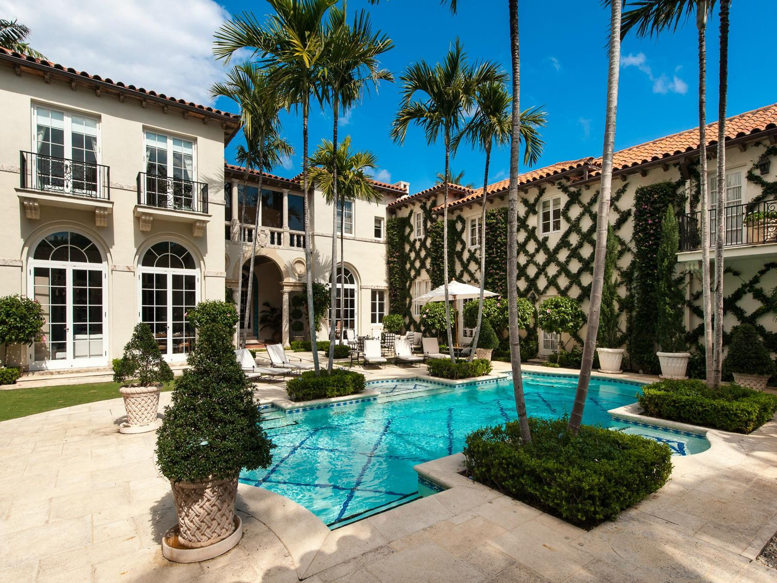 Exquisite Annual Rental, Palm Beach FL Single Family Home - Palm Beach Real Estate