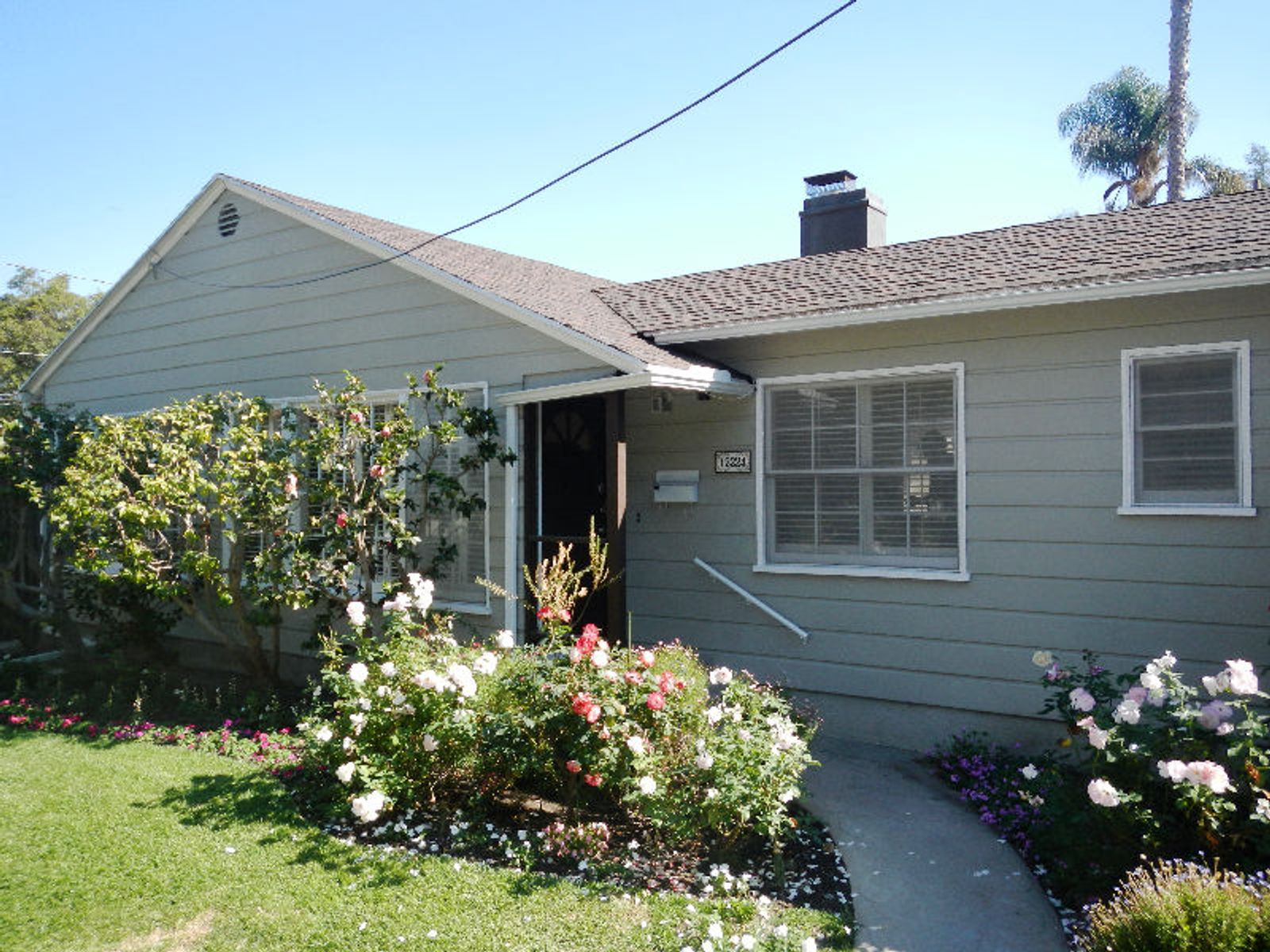 Fabulous Brentwood Location, Los Angeles CA Single Family Home - Los Angeles Real Estate