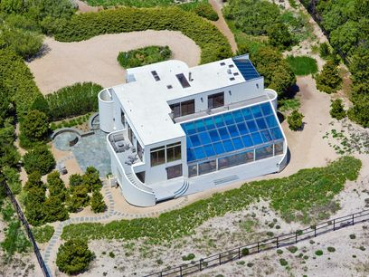 Contemporary Oceanfront, Southampton NY Single Family Home - Hamptons Real Estate