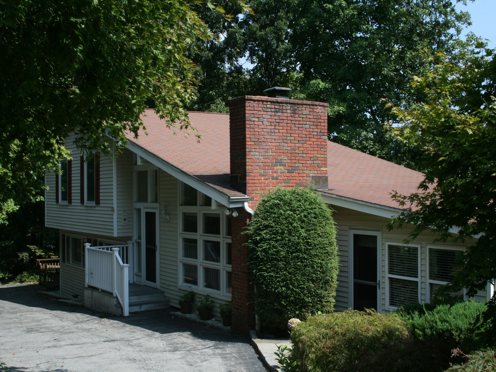 Big Sky, Cos Cob CT Single Family Home - Greenwich Real Estate