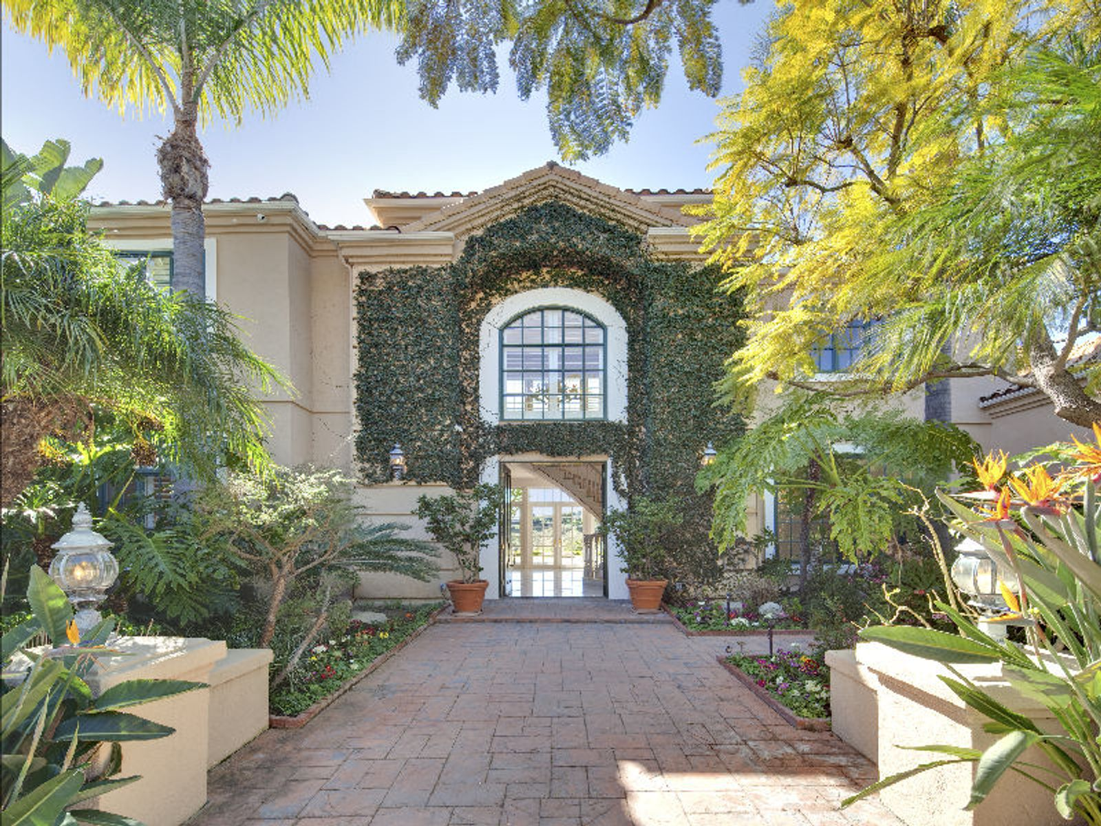 Exclusive Palisades Gated Community , Pacific Palisades CA Single Family Home - Los Angeles Real Estate