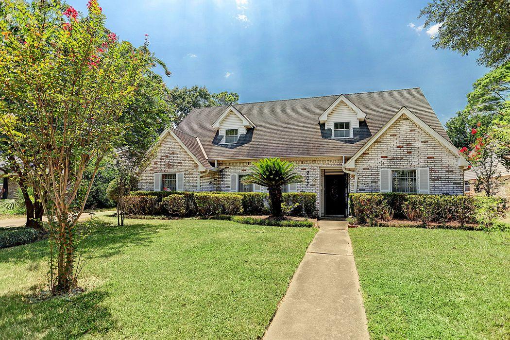 907 Bethlehem Street Houston, TX 77018