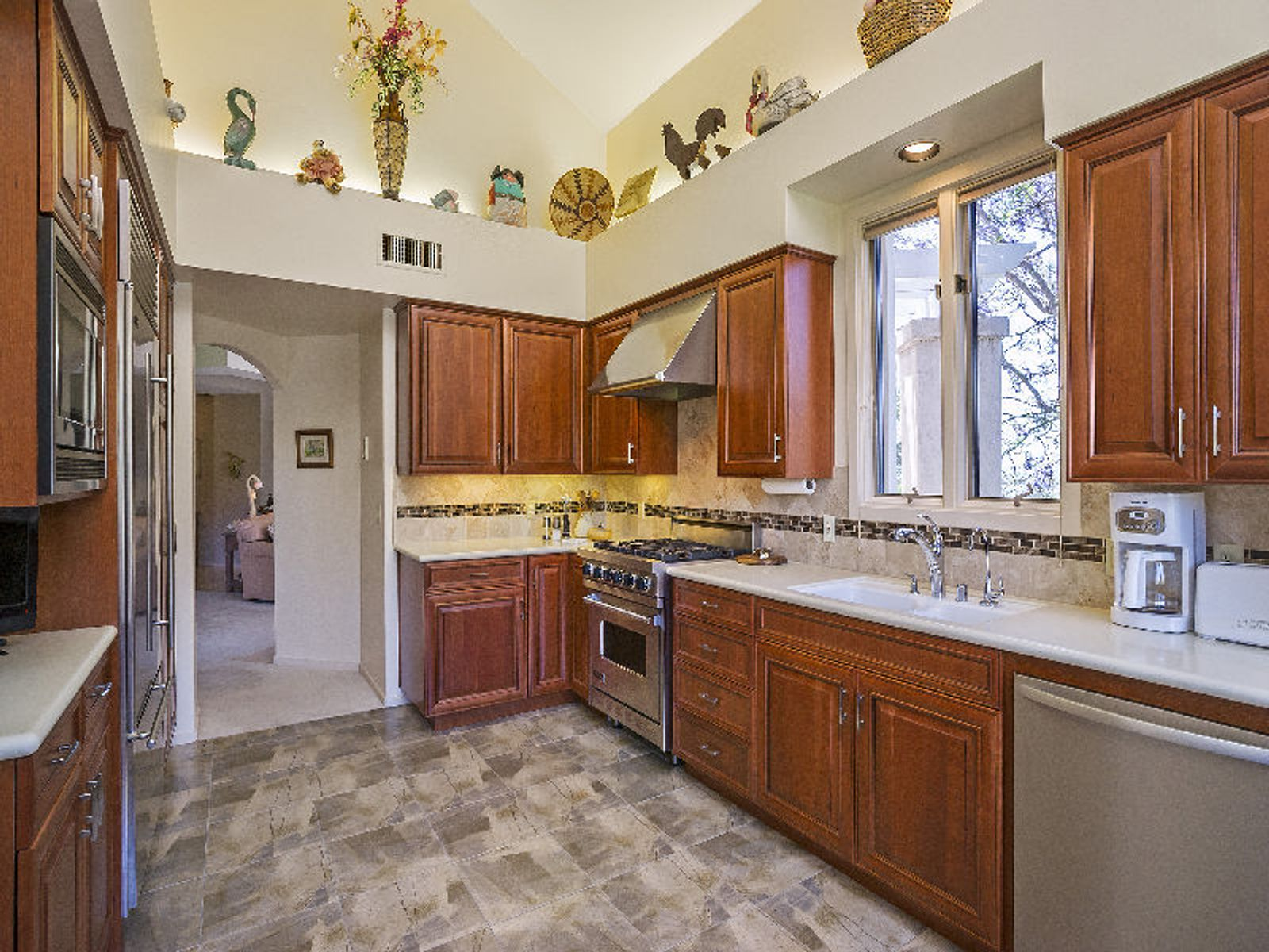 Gorgeous Kitchen Cabinets with View