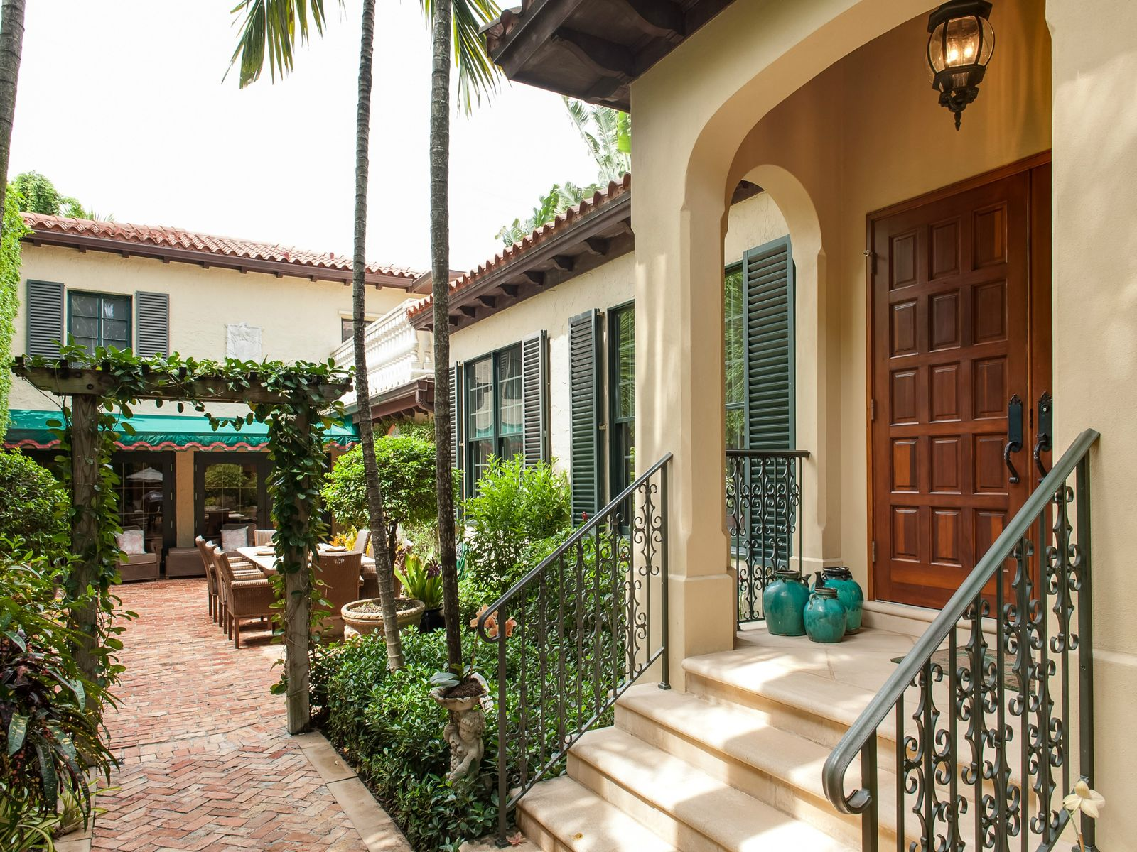Sophisticated In-Town Villa, Palm Beach FL Single Family Home - Palm Beach Real Estate