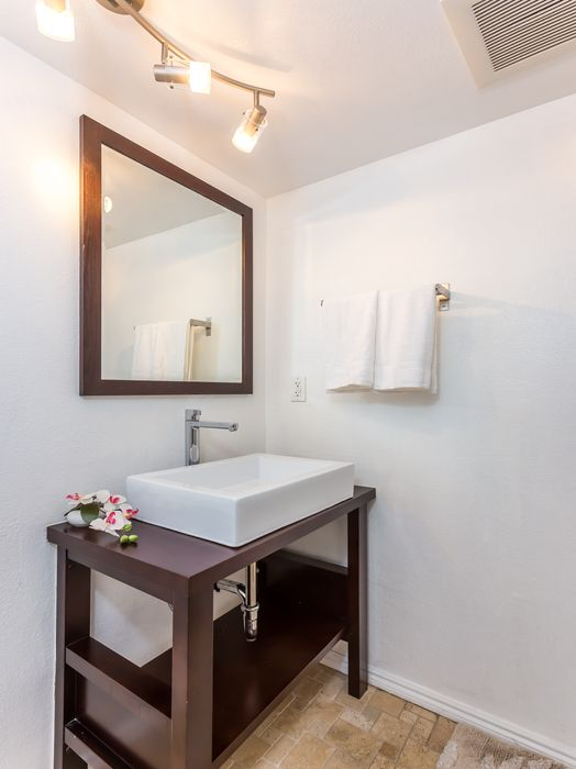 Gorgeous Updated Townhouse Sherman Oaks, CA 91403