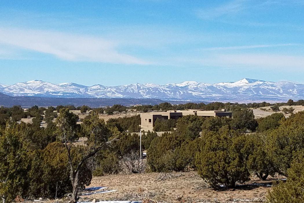 7 Montana Vista Santa Fe, NM 87507
