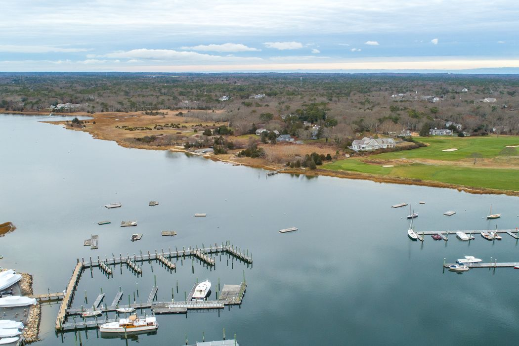 209 Bay Street Osterville, MA 02655