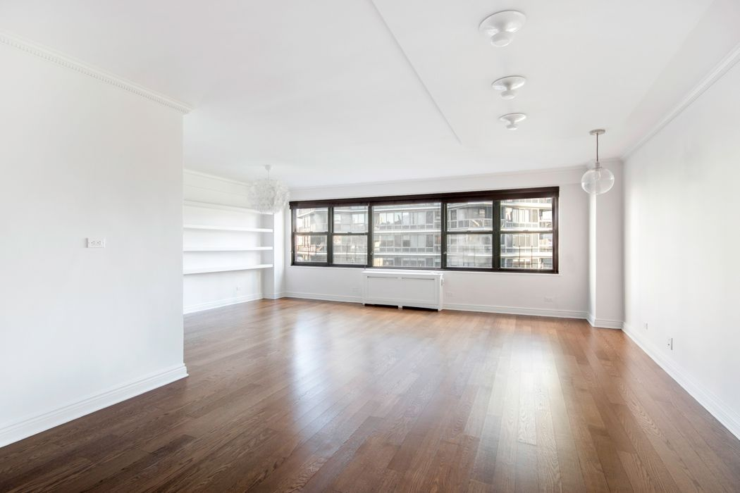 166 East 61st Street New York, NY 10065