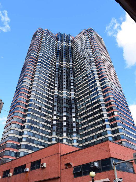 415 East 37th Street New York, NY 10016