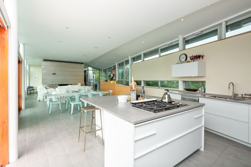 GROUNDBREAKING DESIGN ON LAKE MONTAUK Montauk, NY 11954