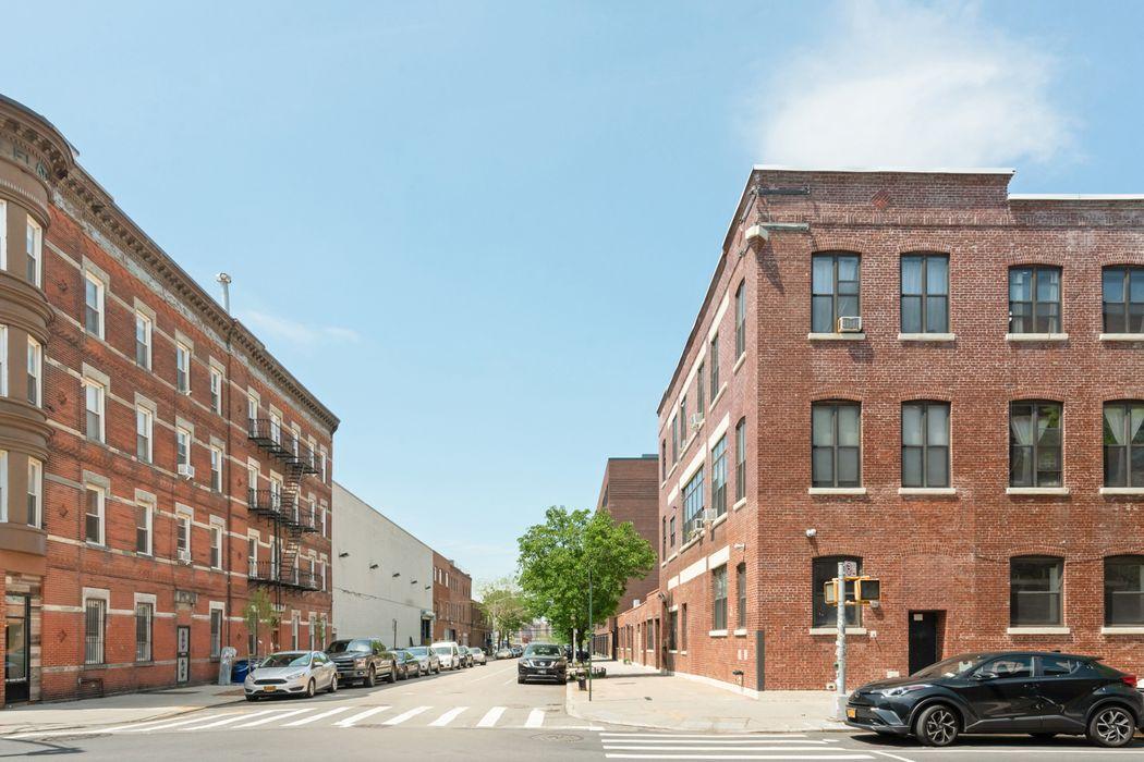 233 Franklin Street Brooklyn, NY 11222
