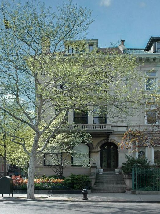 Golden Age Limestone Mansion on the Park