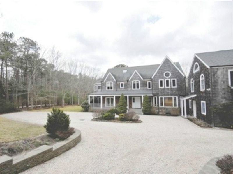 Spacious & Private Water Mill Home