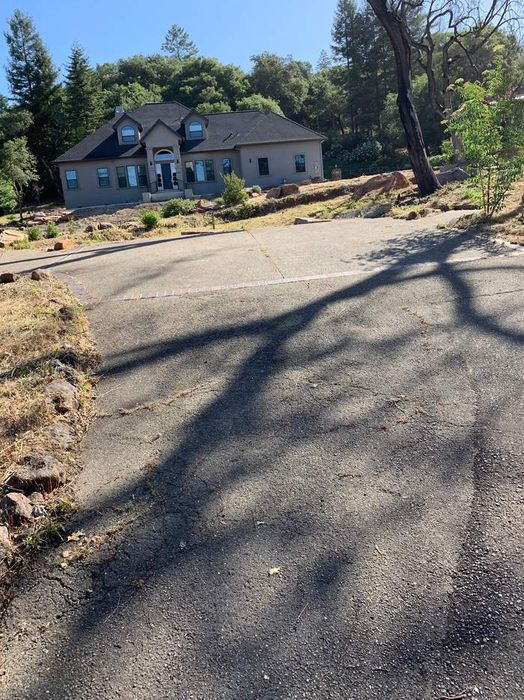 2000 Bent Tree Pl Santa Rosa, CA 95404