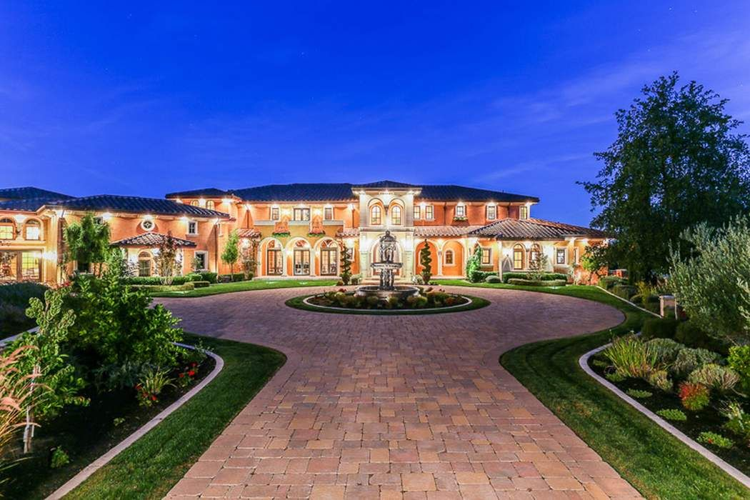 Big Homes For Sale In New York