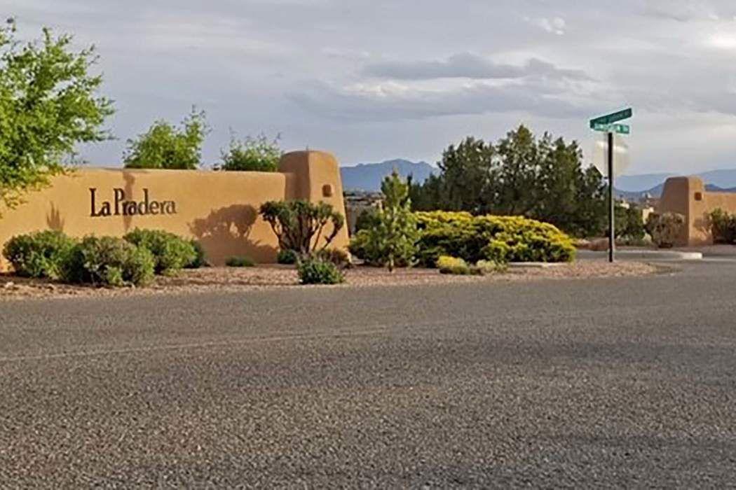 8 Camino Sabanero Santa Fe, NM 87508