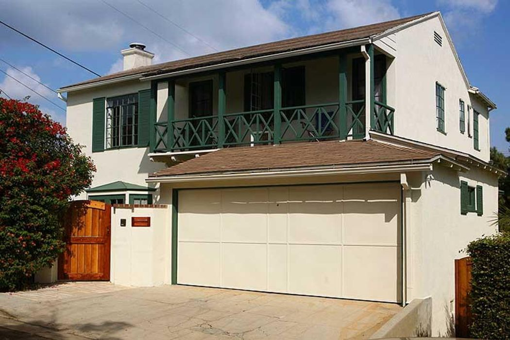 4115 Holly Knoll Drive Los Angeles, CA 90027