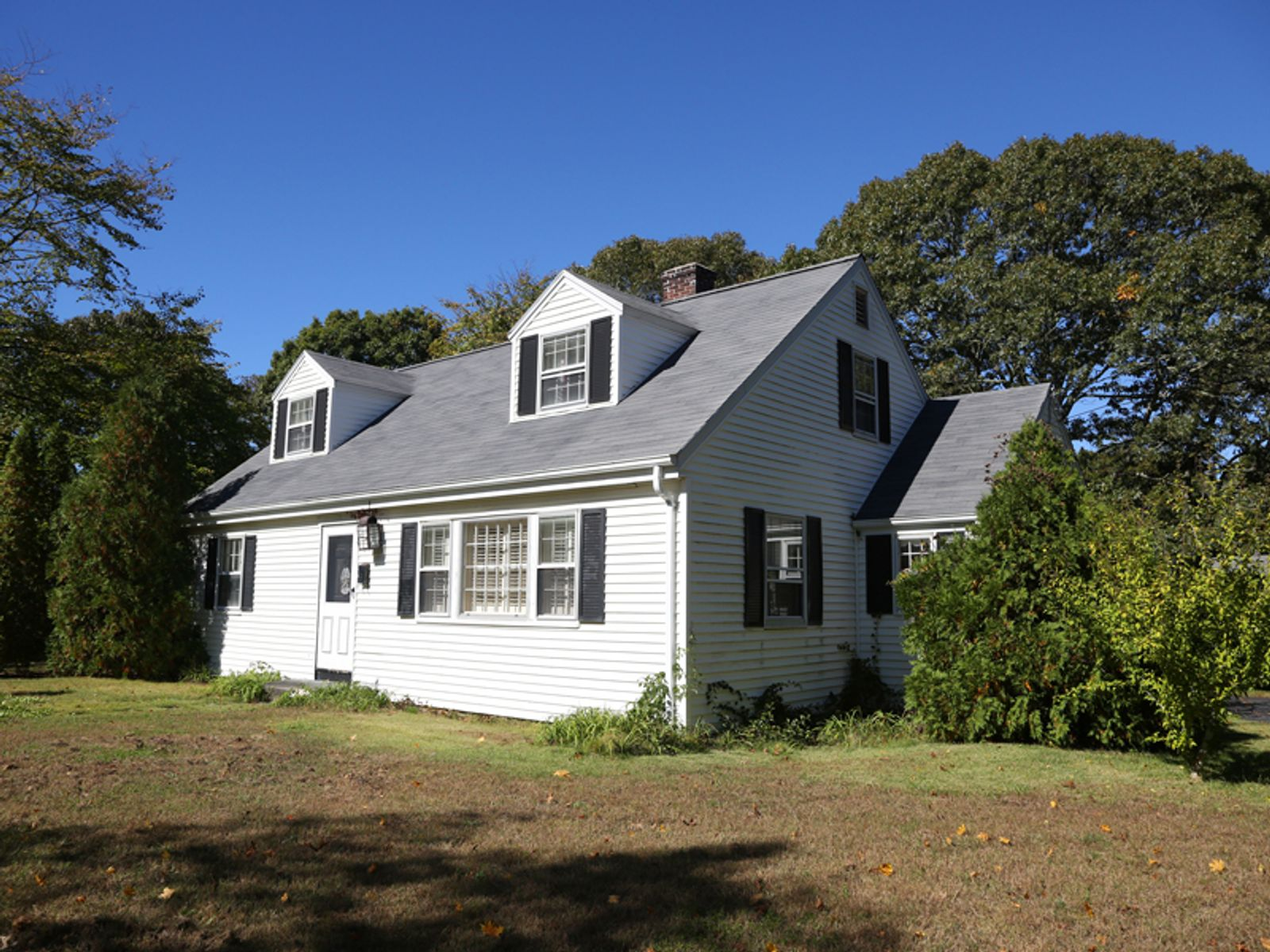 Charming Cape in Osterville Village, Osterville MA Single Family Home - Cape Cod Real Estate