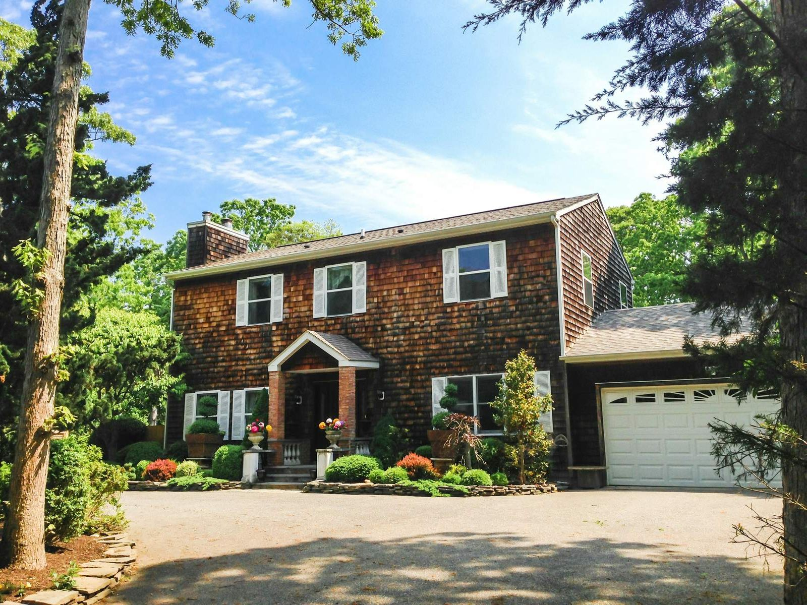 Tradional in Clearwater Beach , East Hampton NY Single Family Home - Hamptons Real Estate