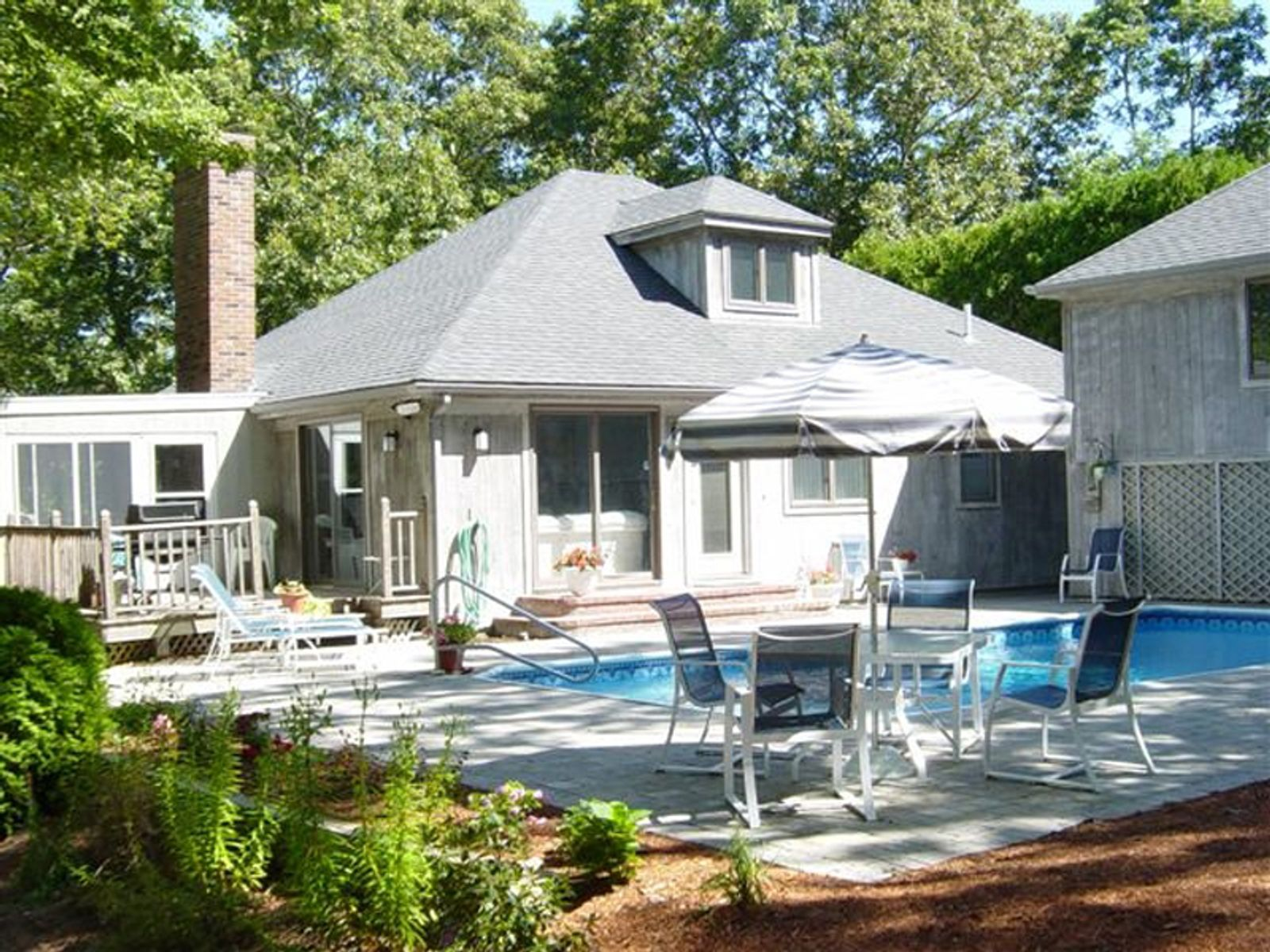 hyannis port hindu singles This single-family home is located at 151 a irving avenue, hyannis port, ma 151 a irving ave is in the 02647 zip code in hyannis port, ma 151 a irving ave has 5 beds, 4 baths, approximately 4,220 square feet, and was built in 1955.