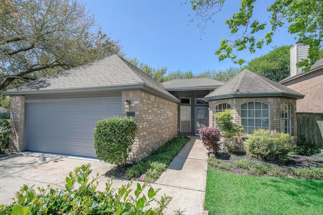 4779 Oakmont Court League City, TX 77573