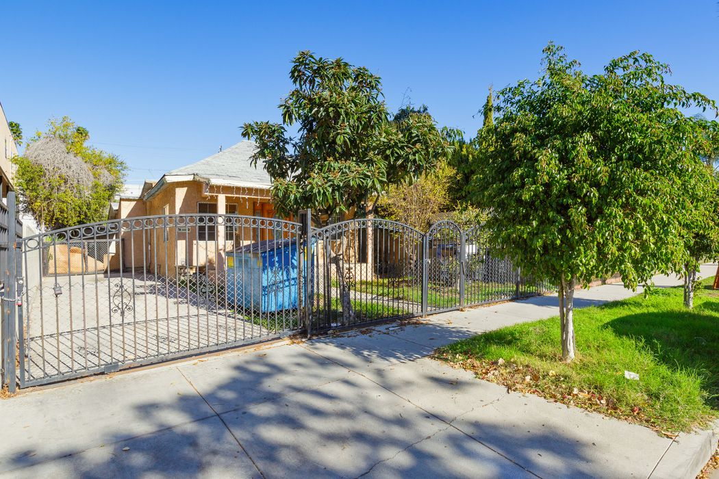 6029 Eleanor Avenue Los Angeles, CA 90038