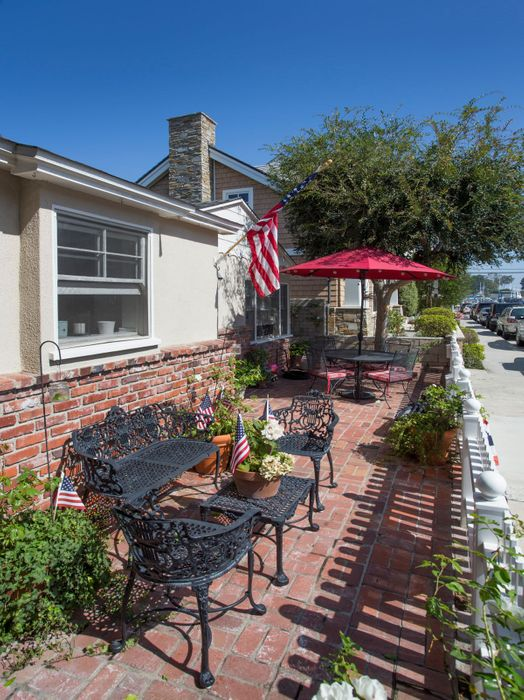 311 1/2 Ruby Avenue Newport Beach, CA 92662