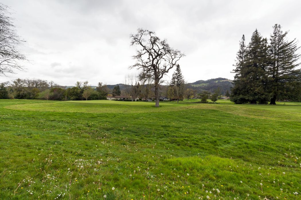 2 Glengreen St Santa Rosa, CA 95409