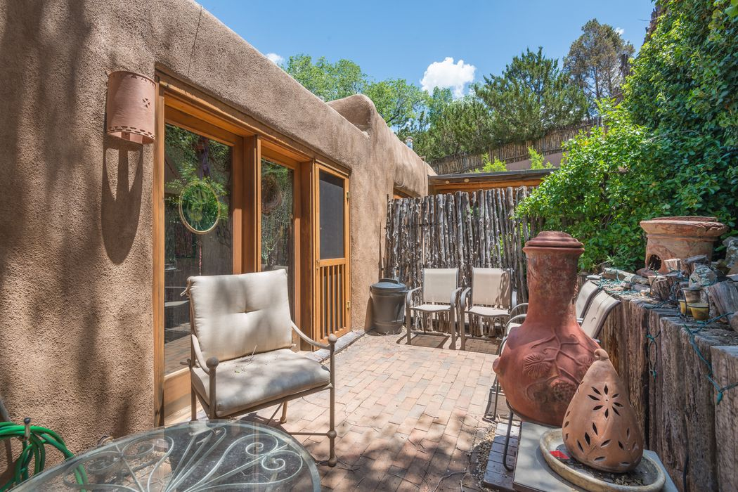 322 Magdalena Unit #1 Santa Fe, NM 87501