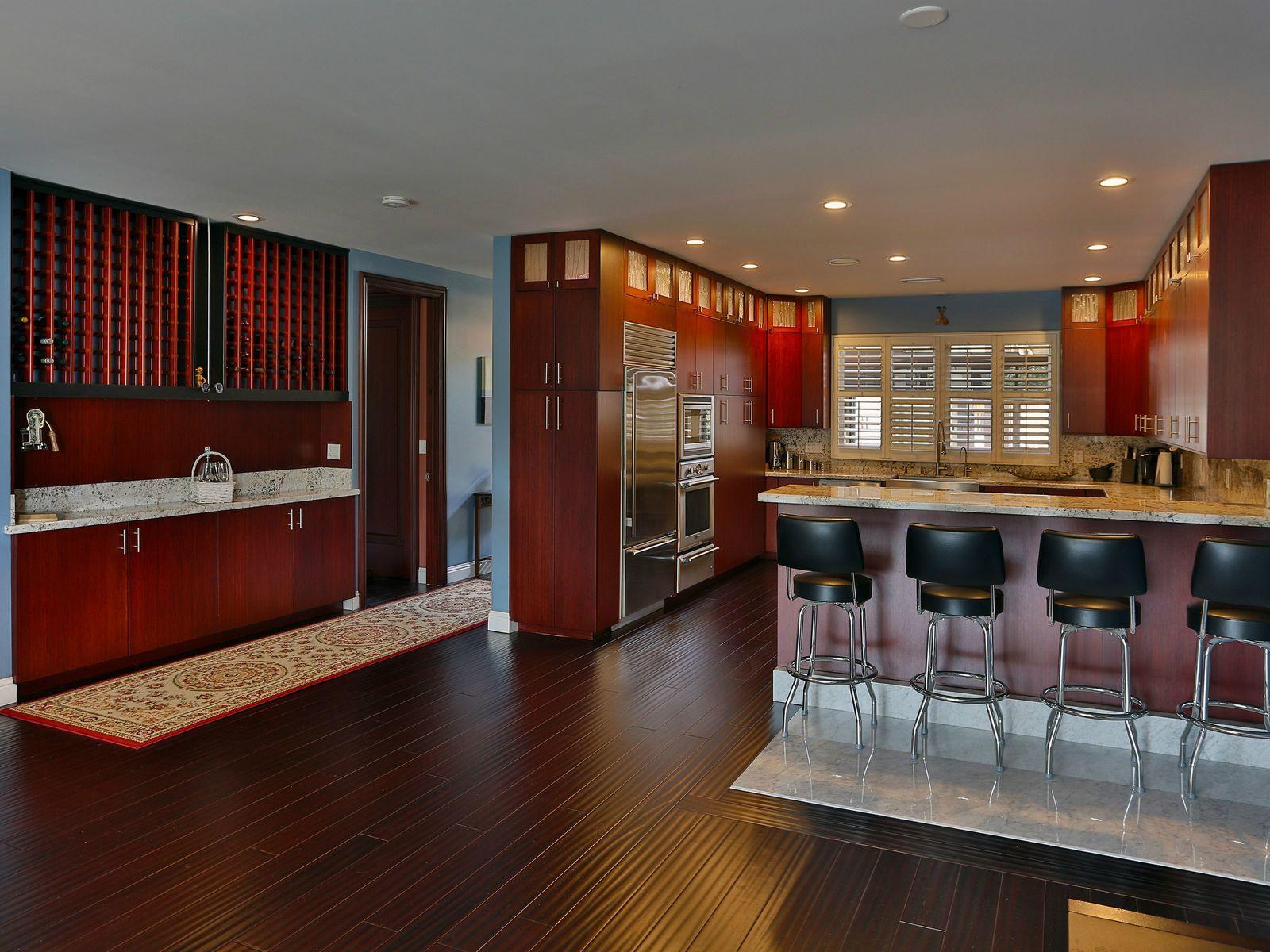 Kitchen Eating Bar