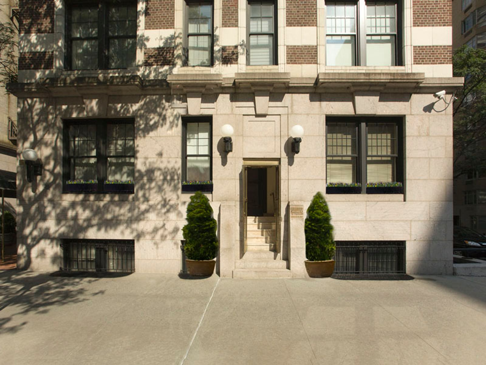 Trophy 830 Park Avenue Maisonette