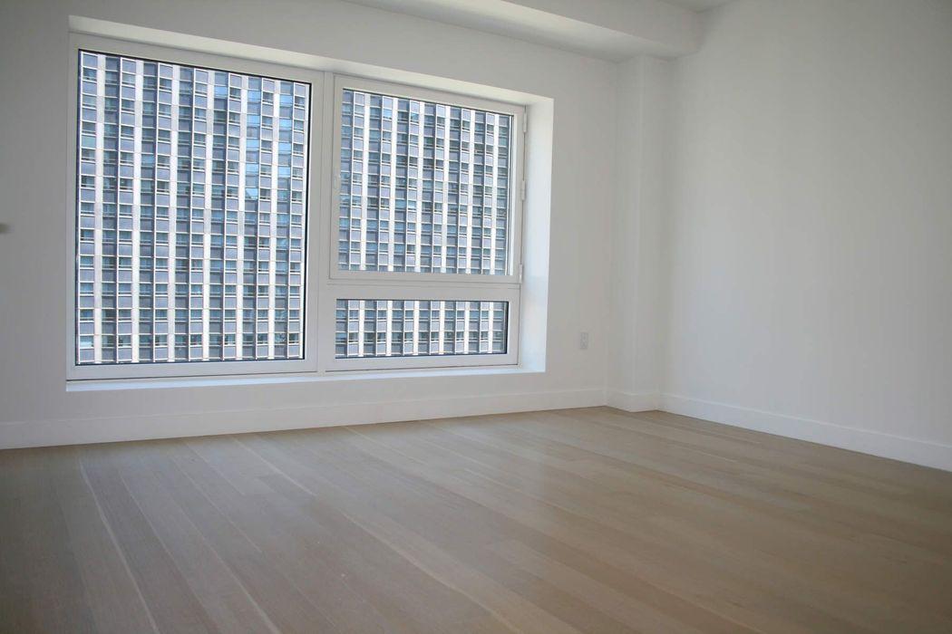 135 West 52nd Street, 33C New York, NY 10019