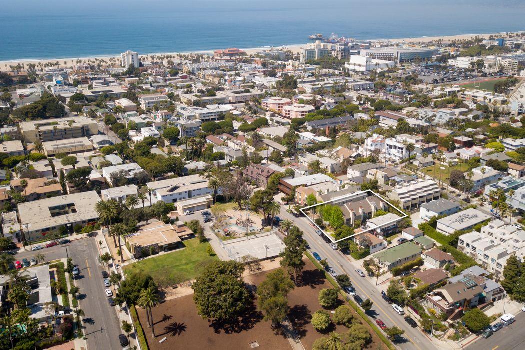 631 Strand Street #2 Santa Monica, CA 90405
