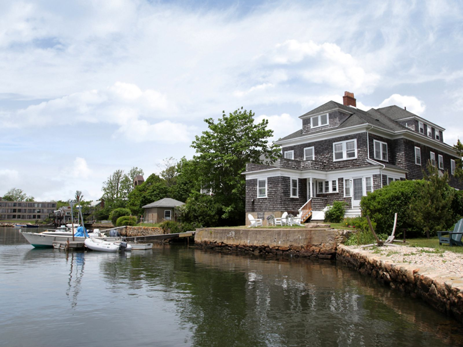 Eel Pondfront Victorian Shingle-Style, Falmouth MA Single Family Home - Cape Cod Real Estate
