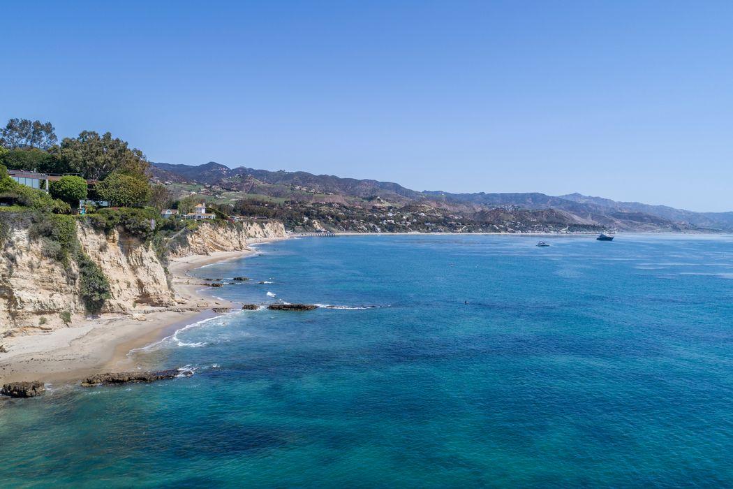 6902 Wildlife Road Malibu, CA 90265