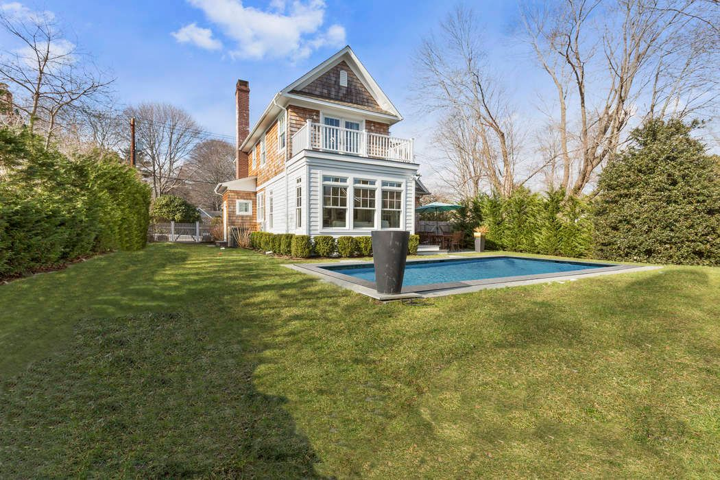 74 Sherrill Road East Hampton, NY 11937