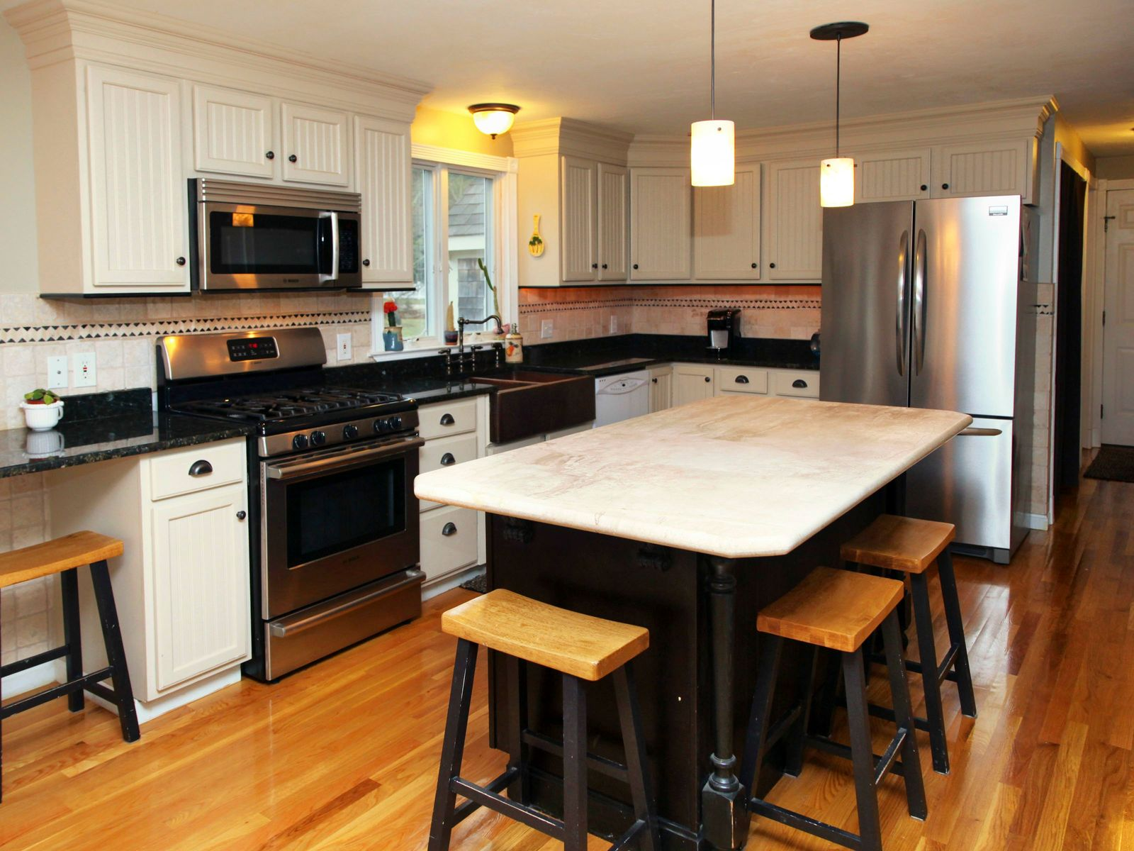 Classic Cape Meticulously Maintained
