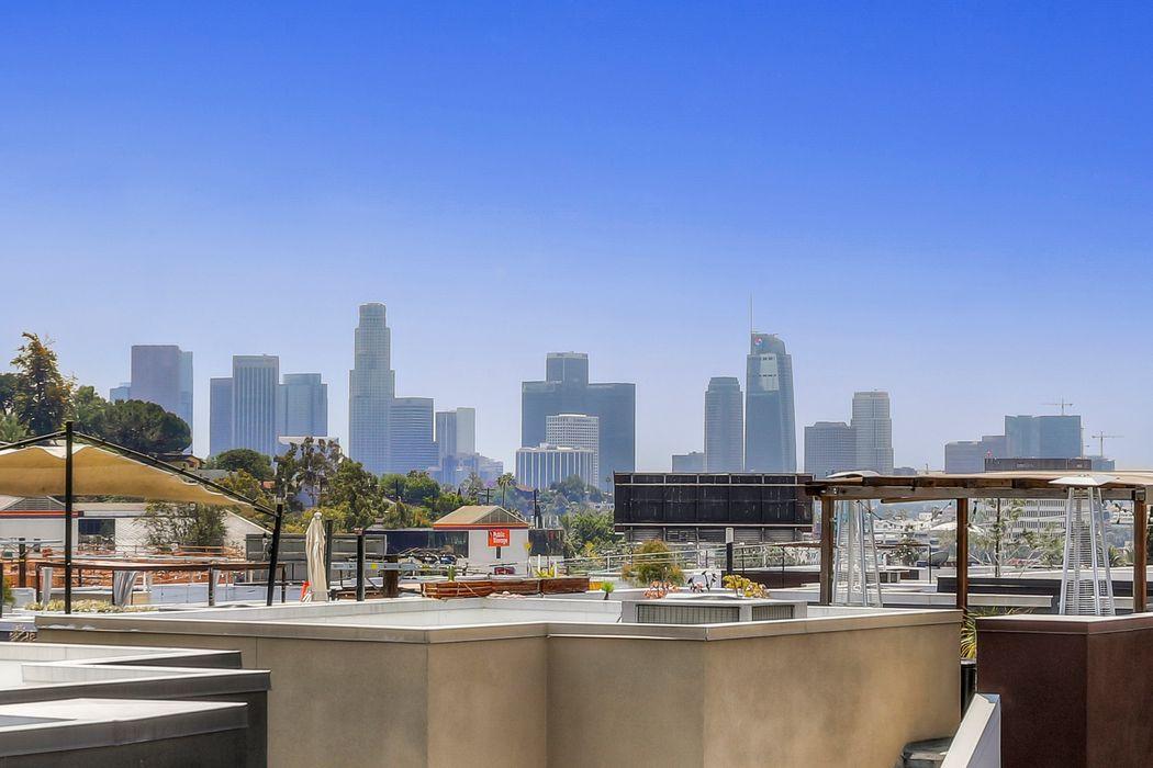 1855 Silent Era Drive Los Angeles, CA 90026
