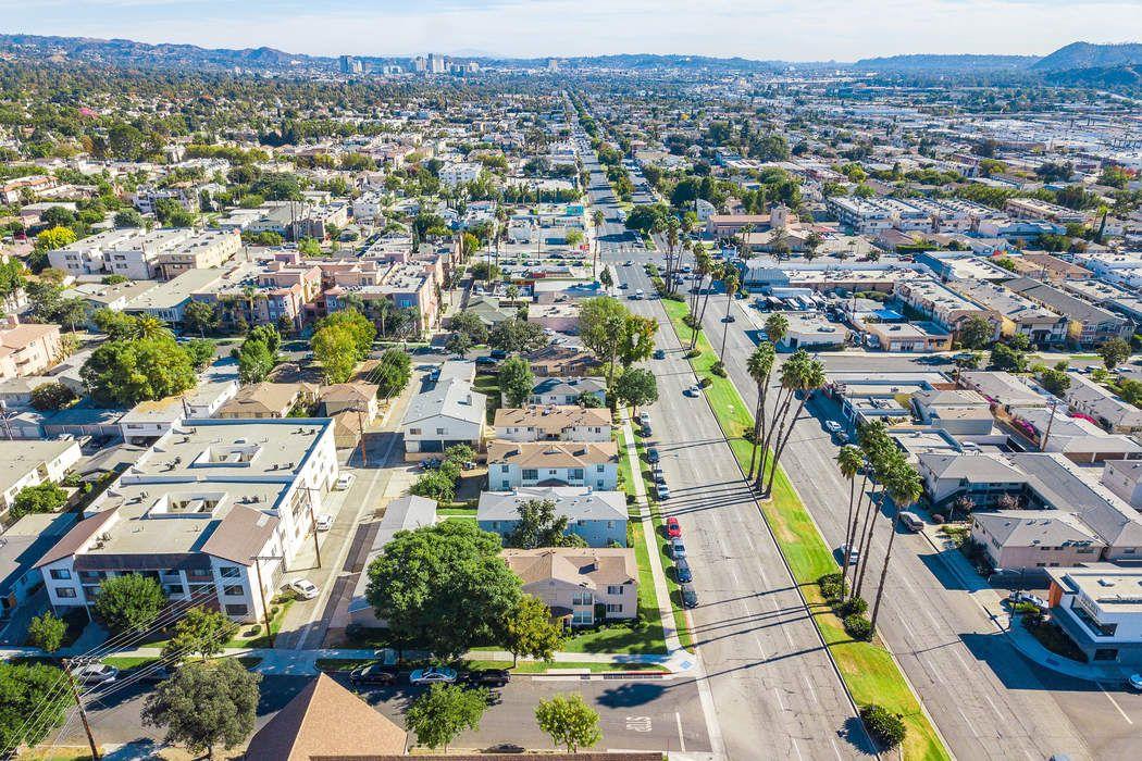 402-404 East Elmwood Avenue Burbank, CA 91501