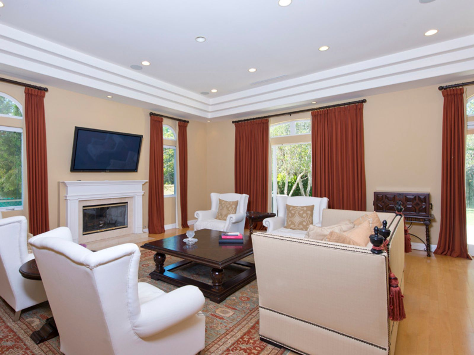 Elegant Home in Heart of Brentwood