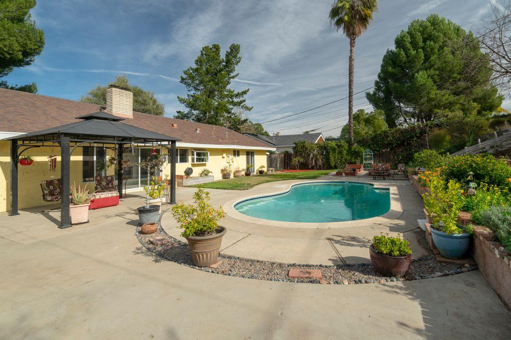 856 Old Farm Road Thousand Oaks, CA 91360