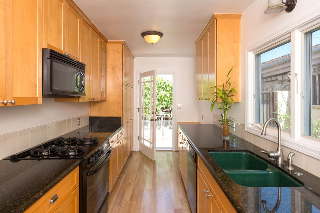 11713 Tennessee Avenue Los Angeles, CA 90064
