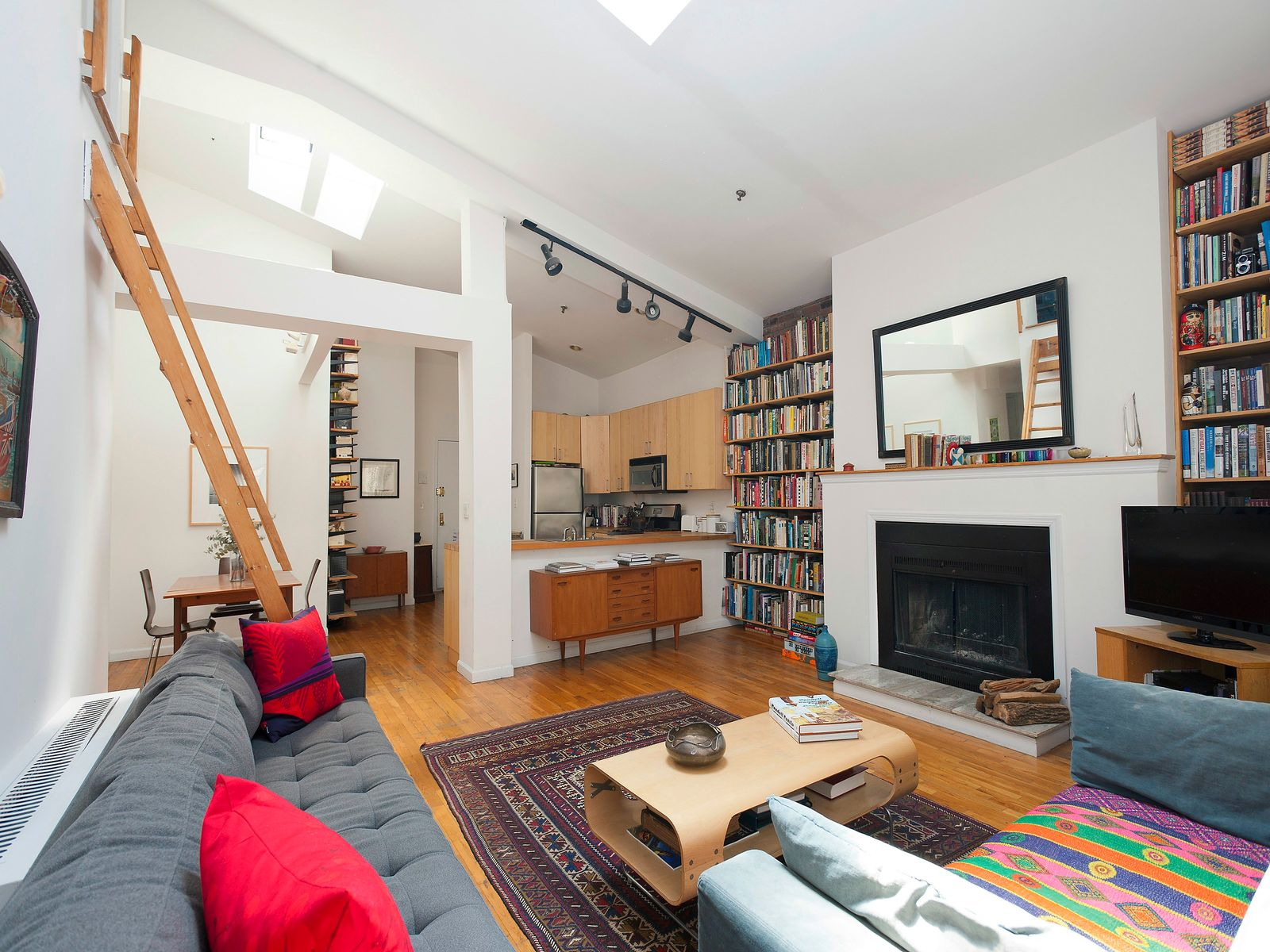 Beautiful Carroll Gardens 2 Bed, Brooklyn NY Cooperative - New York City Real Estate