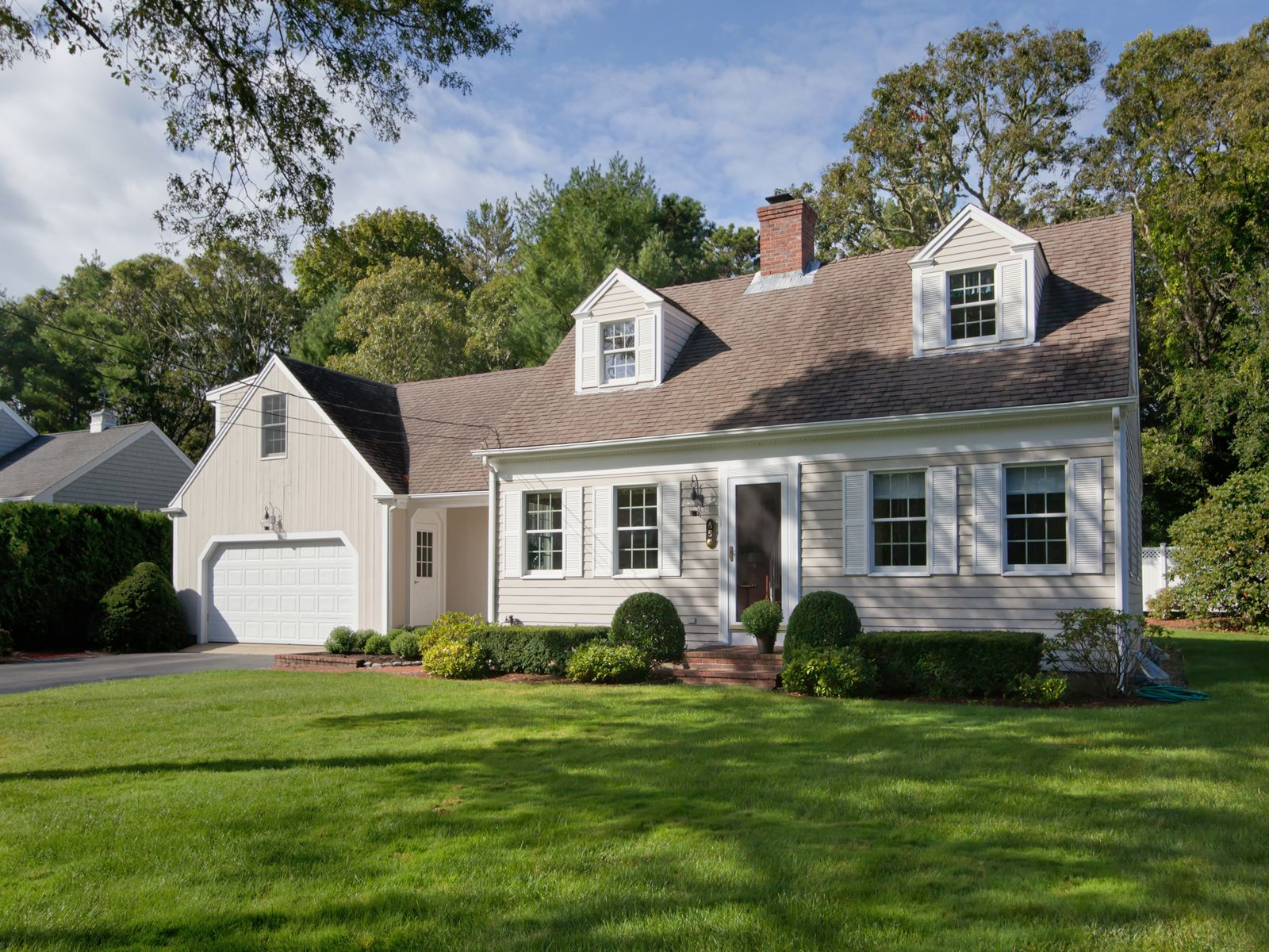 Charming Wianno Cape Residence, Osterville MA Single Family Home - Cape Cod Real Estate