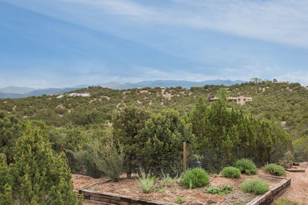 57 & 55 Tano West Santa Fe, NM 87506