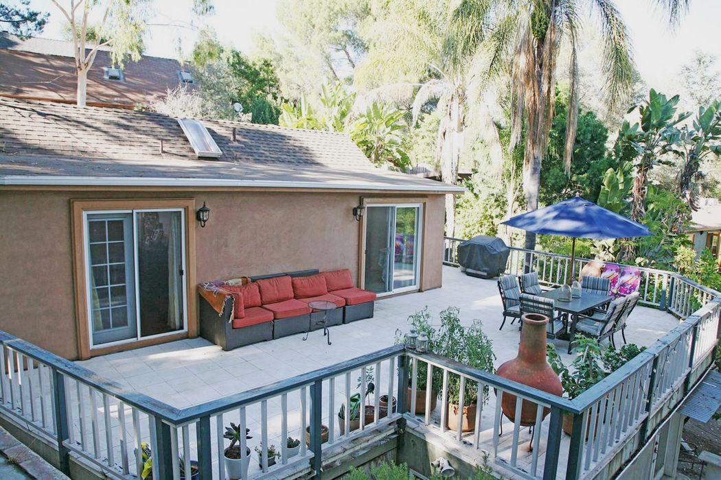 Tropical Views and extra space Topanga, CA 90290
