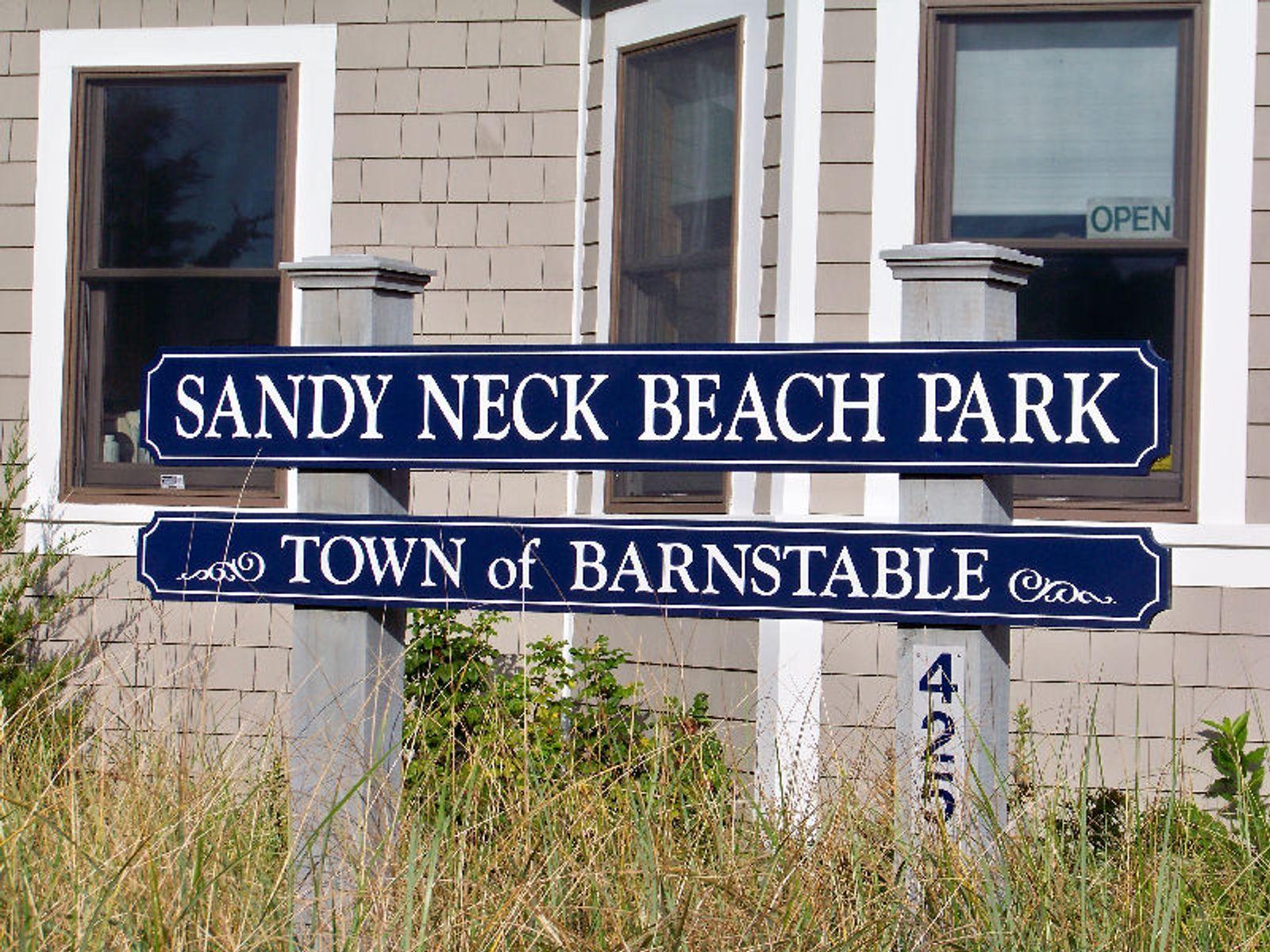 Beach House Close to Sandy Neck