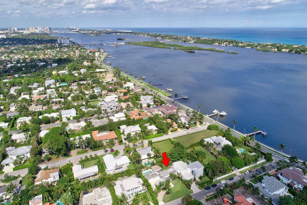 135 Churchill Rd West Palm Beach, FL 33405