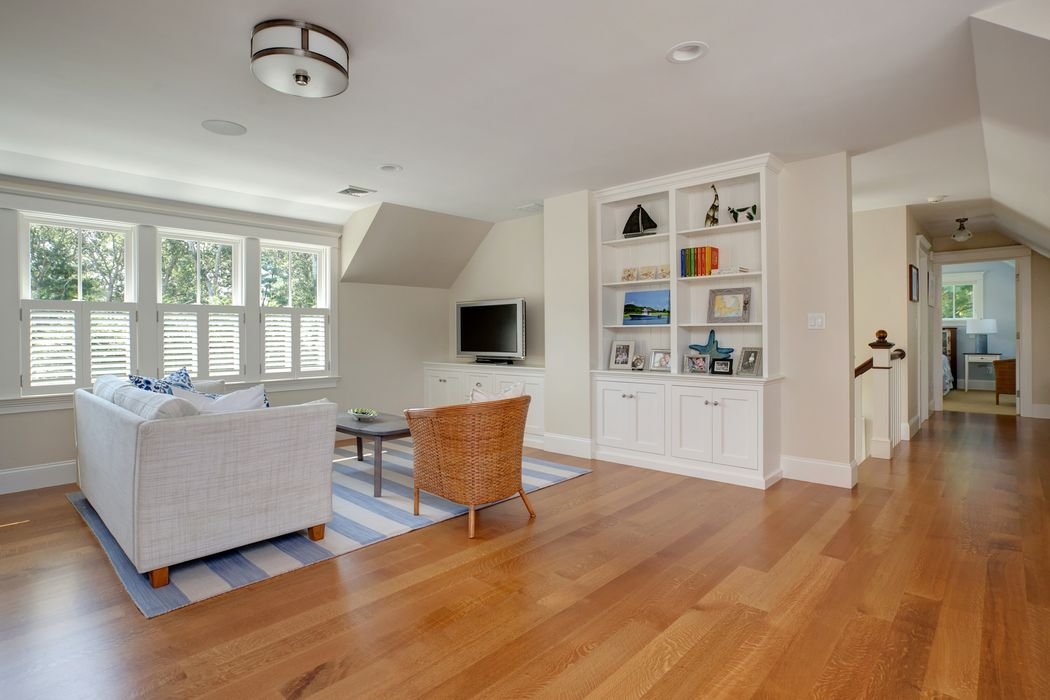 141 Hollingsworth Road Osterville, MA 02655
