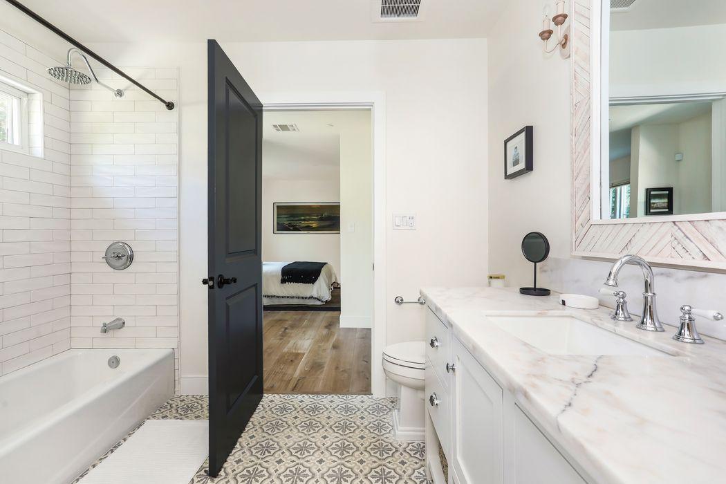 1830 North Avenue 52 Los Angeles, CA 90042